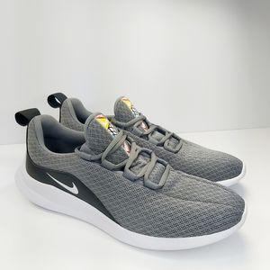 Nike Viale running sneakers size 7Y Women's 8.5